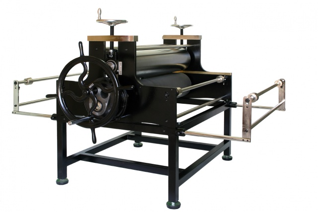 Stamping press WITH REDUCTOR table incorporated, manufactured in steel and painted in epoxy
